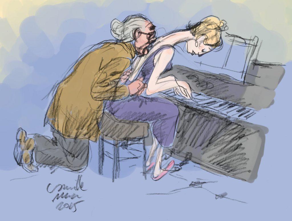 Un professeur de piano lèche le dos de son élève